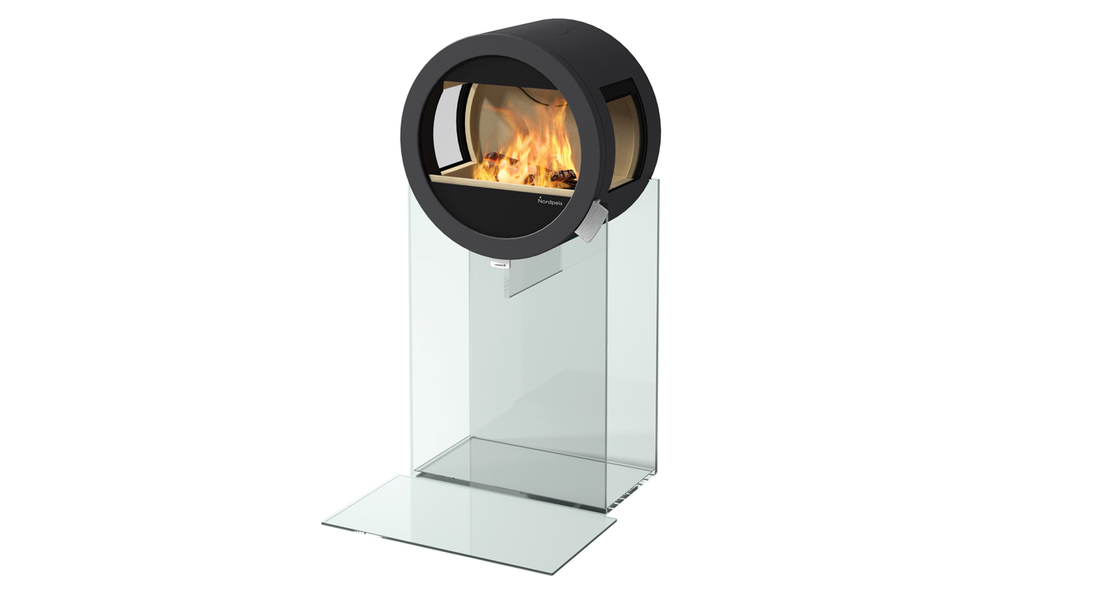 Me Glass Standard - Fireplace from Nordpeis - Floor plate in glass with side glass panel